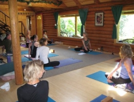 Lodge yoga
