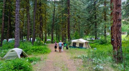 skalitude retreat camping